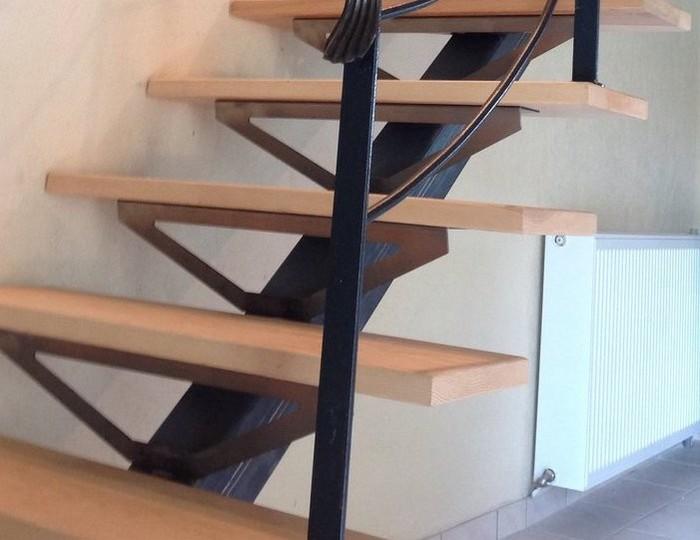 besoin d 39 aide pour escalier tube acier bois et verre. Black Bedroom Furniture Sets. Home Design Ideas