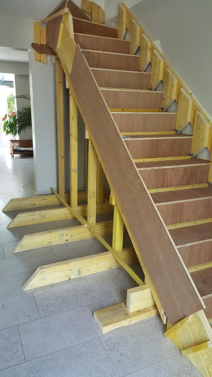 projet escalier b ton quart tournant haut. Black Bedroom Furniture Sets. Home Design Ideas