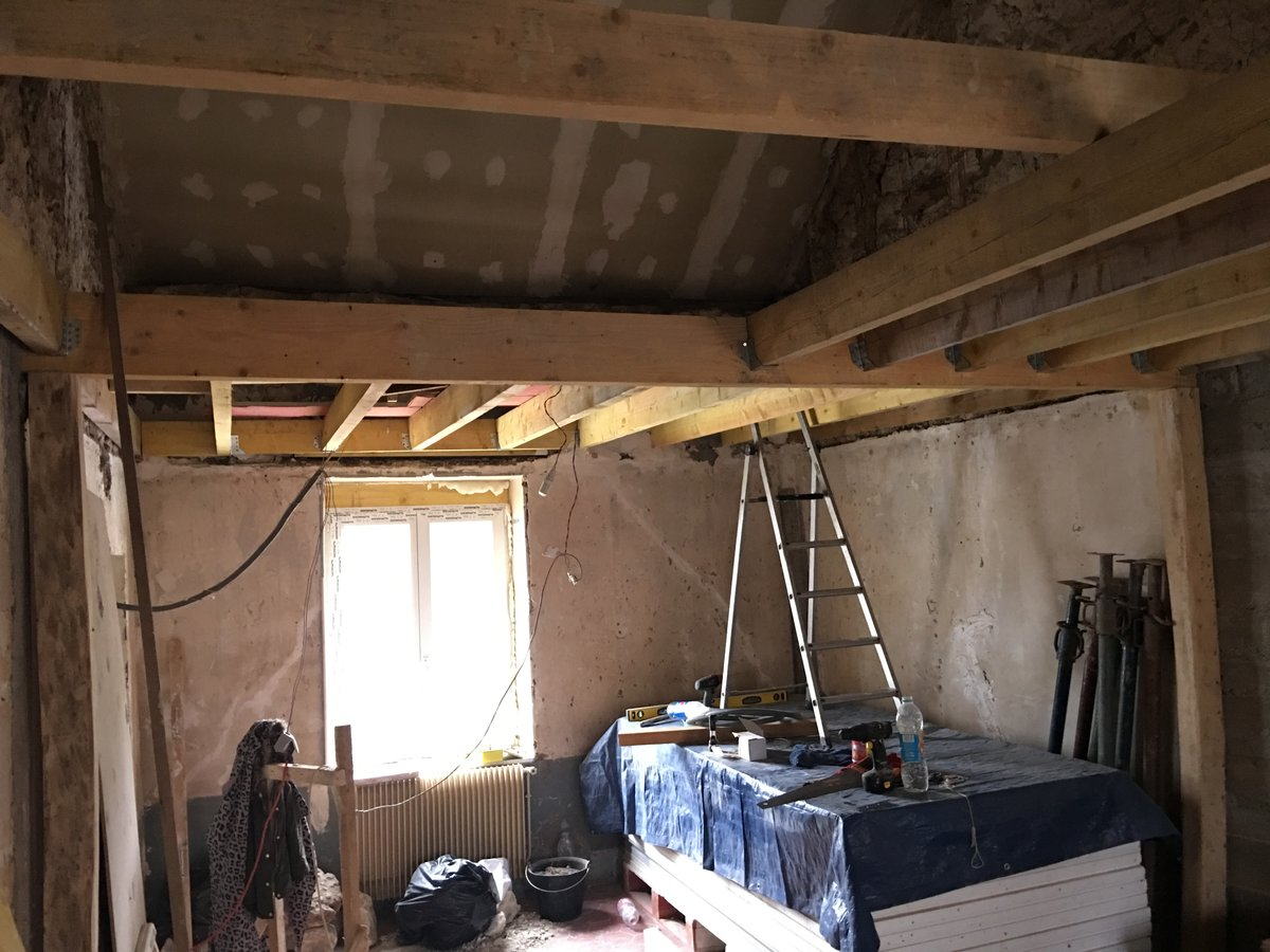 hauteur sous plafond 2m40 divers m baie vitre. Black Bedroom Furniture Sets. Home Design Ideas
