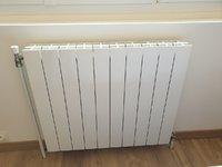 new radiateur chambre ne chauffe plus (malgré purge dessus).jpg